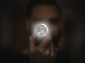 FULL MOON IN AQUARIUS – BE KIND IN YOUR MIND