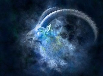 WELCOMING IN THE ENERGY OR CAPRICORN AND A HAPPY NEW SOLAR YEAR TO ALL YOU HARD-WORKING CAPRICORNS OUT THERE!