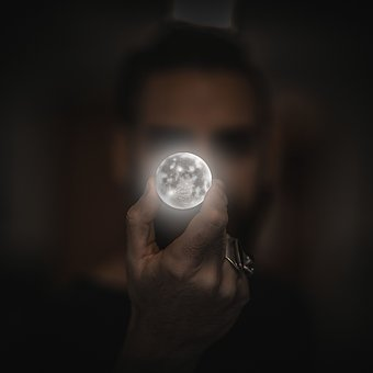 FULL MOON IN CAPRICORN – HARNESSING THE AMBITION